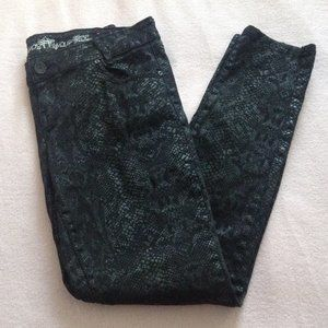 Almost Famous Snakeskin Print Jeans, Sz. 11